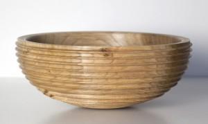 Elm bowl made by Chris Farrow, member of the AWGB web forum.